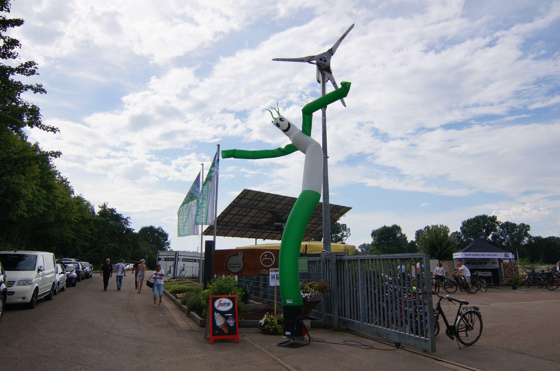 Eingang, Jubiläum, 30 Jahre Kompost, skydancer